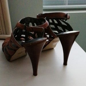 Marc Fisher Shoes - Marc Fisher woven leather heels